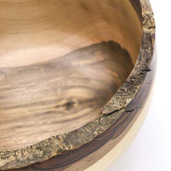 Schale Ø 22 cm, Nussbaum mit Naturrand