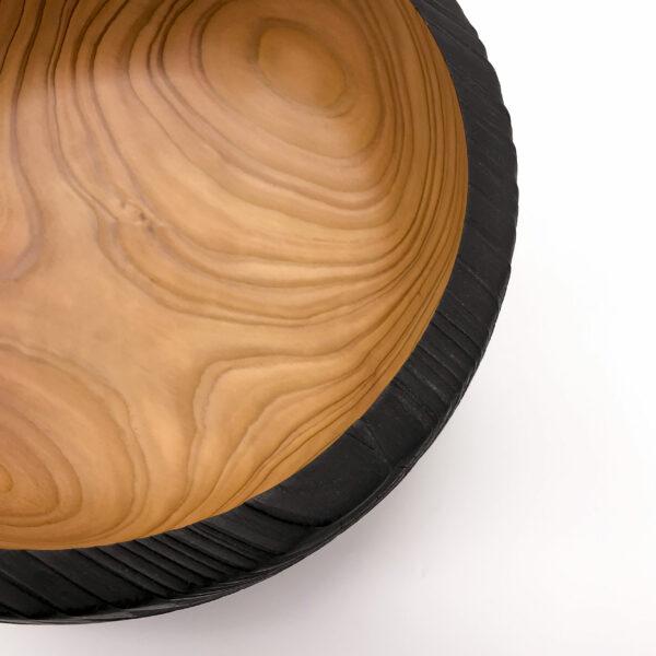 Detail Schale Lärche (gekohlt)